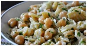Salade de morue avec des pois chiches
